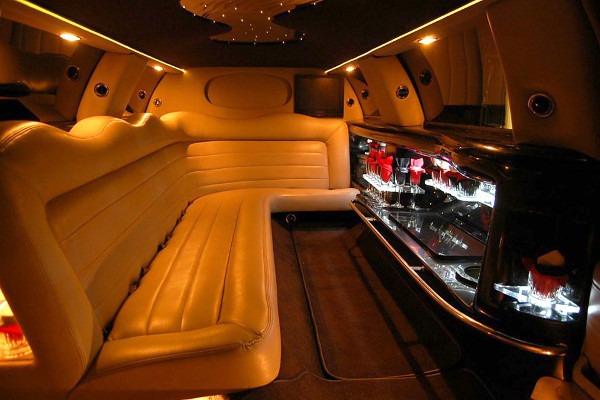 8 Person Lincoln Limo Service Atlanta